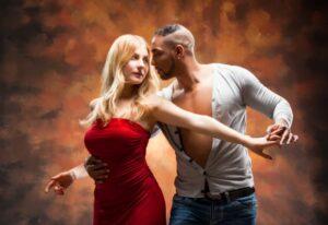 Wer einen Tanzpartner in Kiel sucht, kann sich mit uns treffen.